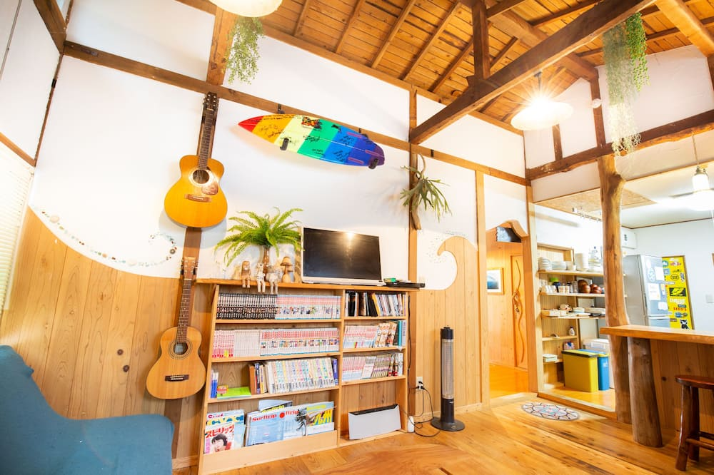 Kamar Triple Basic, Beberapa Tempat Tidur, non-smoking, kamar mandi umum - Area Keluarga