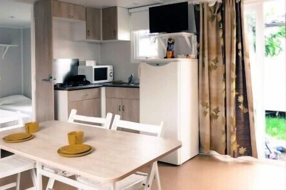 Bungalow - 2 soveværelser - Spisning på værelset