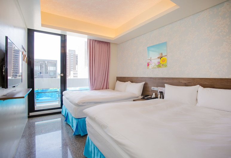 Hotel 99, Taichung, Economy Quadruple Room, 2 Double Beds, Guest Room
