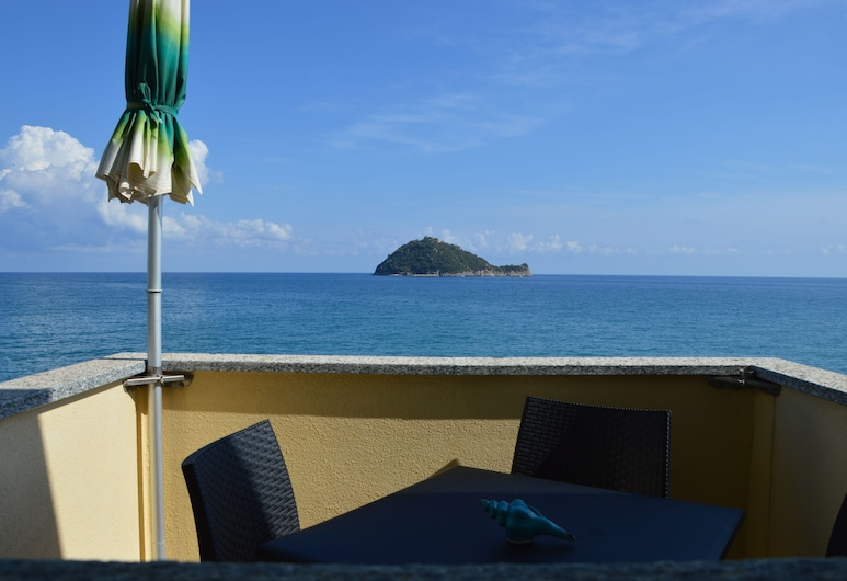 Residence Villa Miky, Albenga, Apartment, 2 Bedrooms, Terrace/Patio