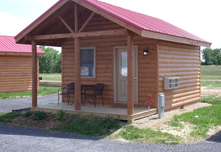 Shenandoah Valley Campground, Quicksburg, Deluxe Cabin, 1 Bedroom, Room