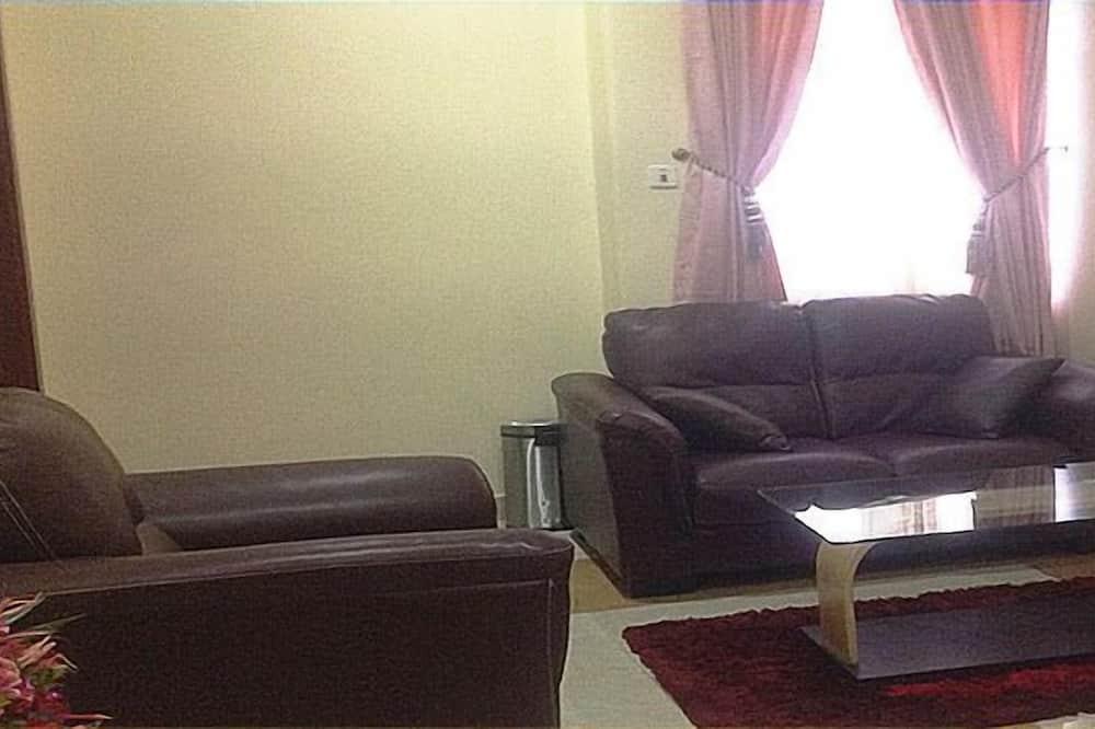 Perhesviitti, 2 makuuhuonetta, Kaupunkinäköala - Oleskelualue