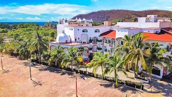 Picture of Hotel Bahía Huatulco in Santa María Huatulco