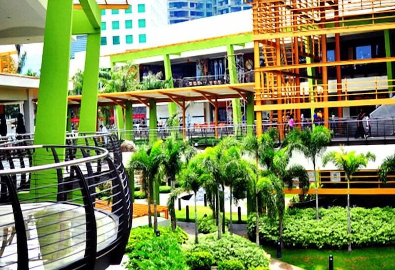 Food District Hostel Cebu Central, Cebu, Property Grounds