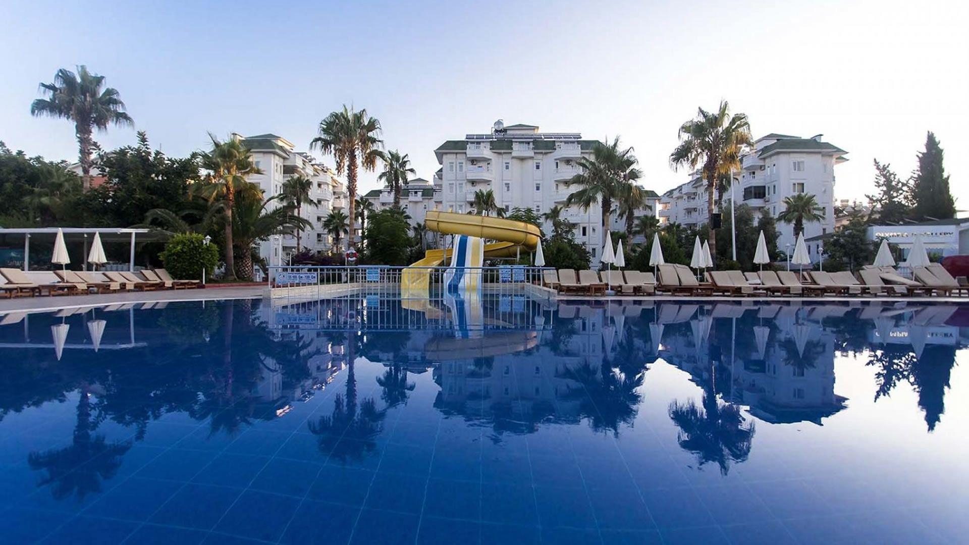 The Garden Beach Hotel, Alanya, Открытый бассейн