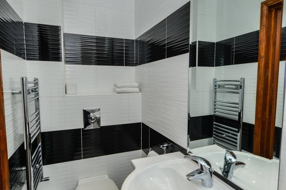 Номер з 2 односпальними ліжками - Ванна кімната