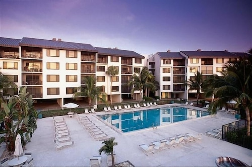 Santa Maria Harbour Resort 306 Weekly Minimum Fort Myers Beach