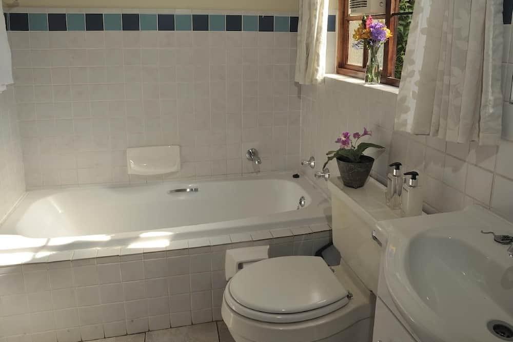 สแตนดาร์ดคอทเทจ (Double) - ห้องน้ำ