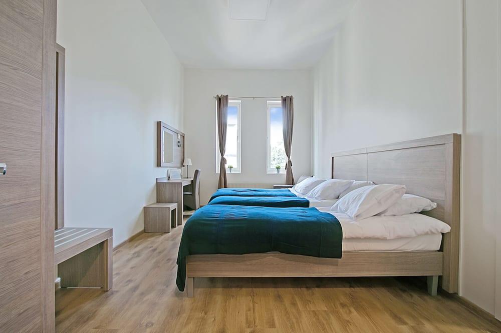 Habitación triple familiar, 1 habitación, cocina básica - Habitación