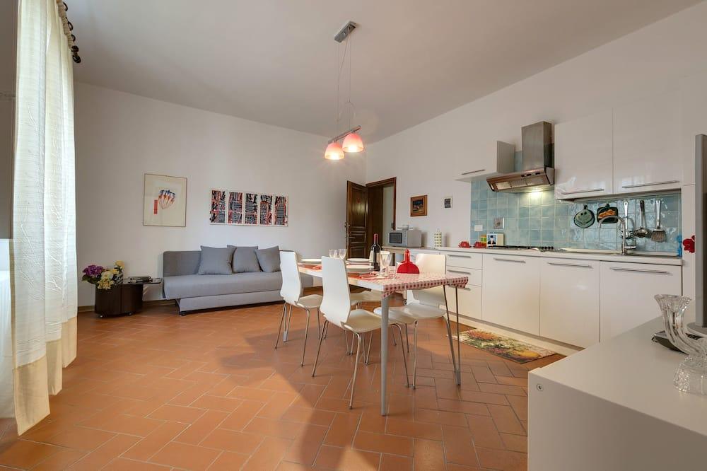 Standard-Apartment, 1 Schlafzimmer (3rd floor, stair access only) - Essbereich im Zimmer