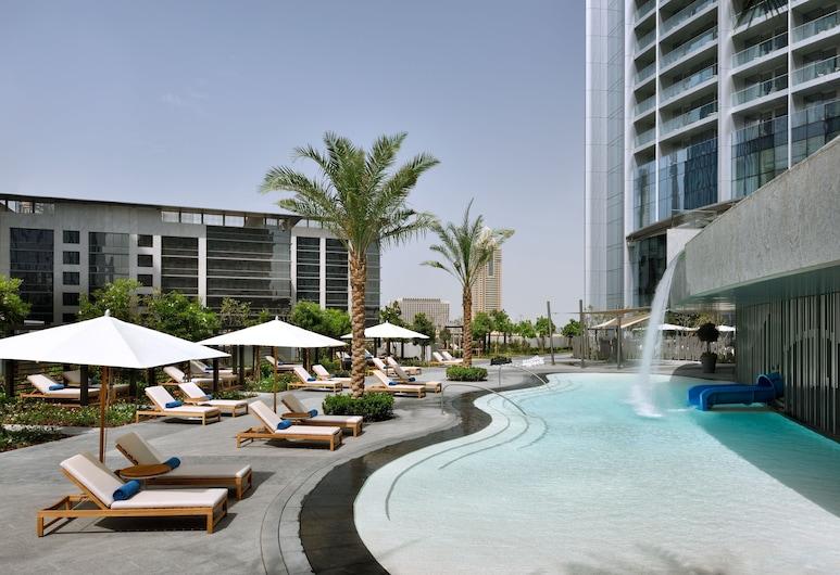 Address Boulevard, Dubai, Pool