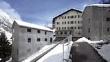 Choose This Cheap Hotel in Zermatt
