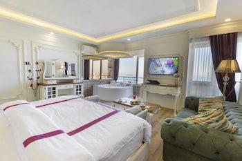 תמונה של Andalouse Elegante Suite Hotel בטראבזון