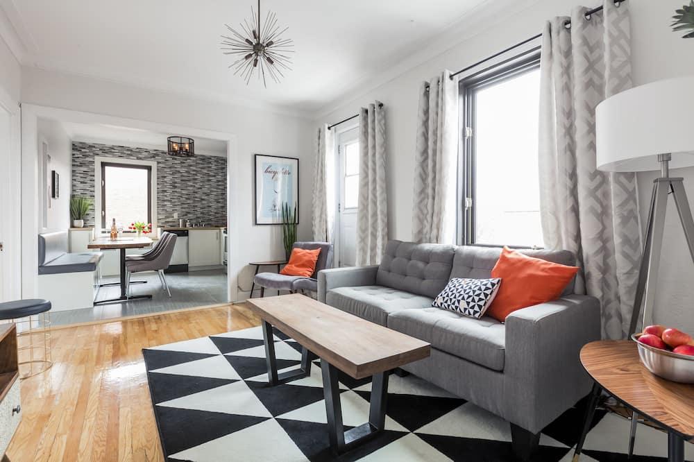 Rodinný soukromý byt, 3 ložnice, kuchyně - Obývací prostor