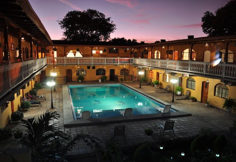 Hotel Cordoba, Granada, Vonkajší bazén