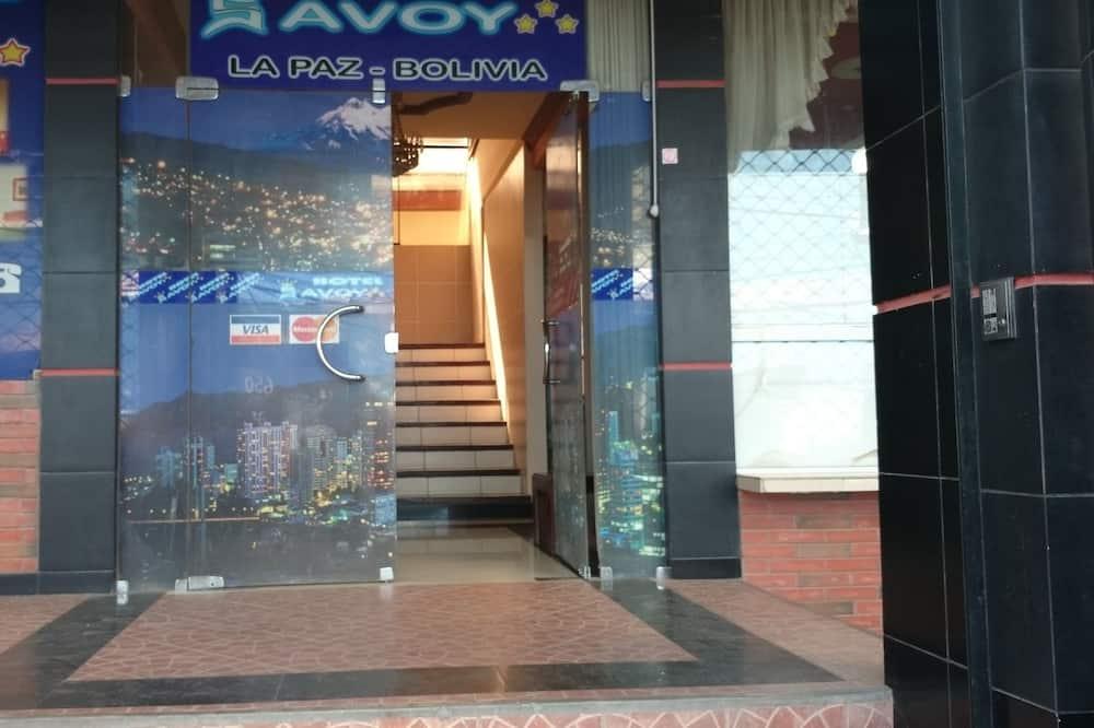 Pintu Masuk Hotel