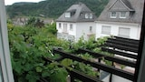 Choose This 3 Star Hotel In Cochem