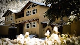 Choose this Cabin / Lodge in Taos - Online Room Reservations