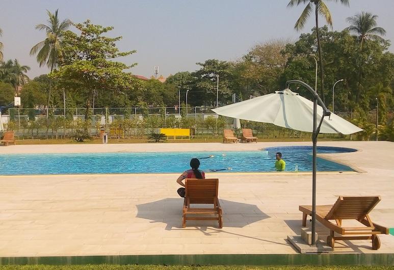 Myanmar Sports Hotel, Yangon, Medence