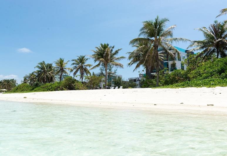 H78 Maldives, Hulhumalé, Pantai