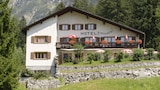 Book this Parking available Hotel in Bregaglia