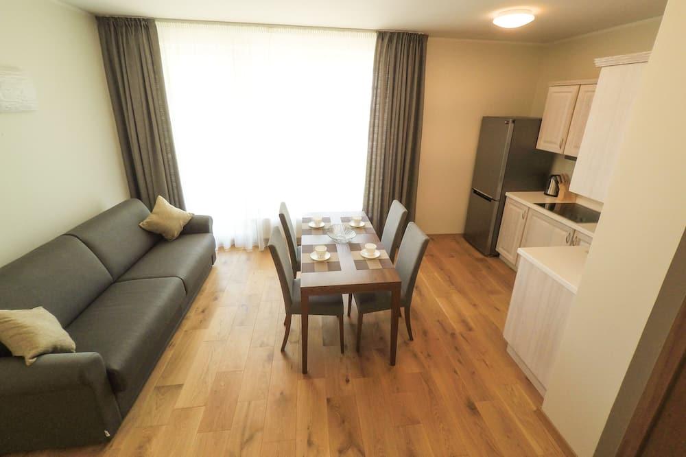 Large Luxury Apartment, 1 Bedroom, Balcony - Living Room