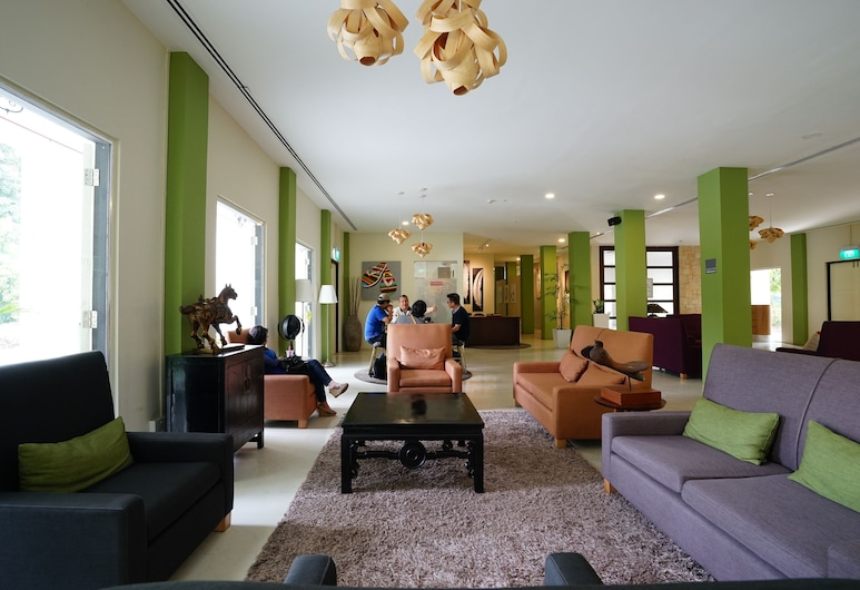 ZEN Rooms Changi Village, Singapore, Lobby Sitting Area