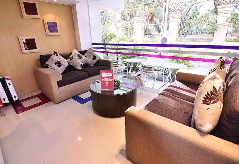 ZEN Rooms Sukhumvit Soi 10, Μπανγκόκ, Καθιστικό στο λόμπι