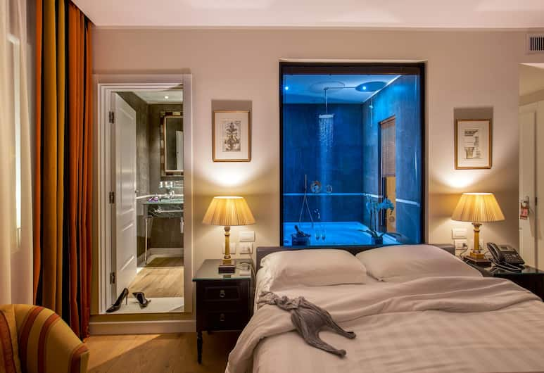 Hotel Monte Cenci, Rome, Deluxe Double Room, Guest Room