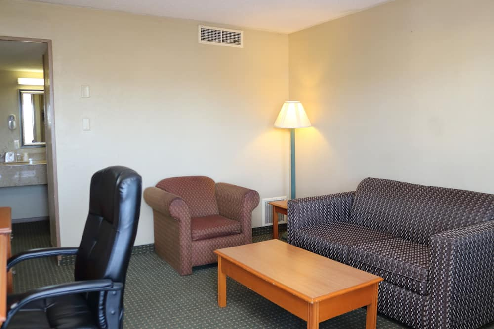 Family Suite, Non Smoking - Living Area