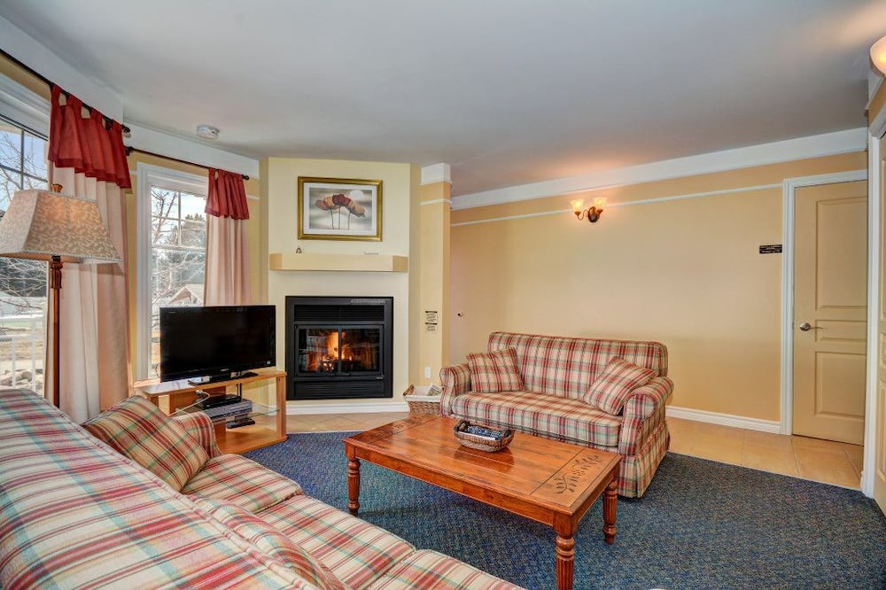 公寓式客房, 2 间卧室 (St-Donat Upper Floor) - 起居区