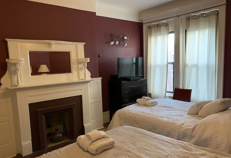 The Melva Inn - Harlem, New York, Standaard driepersoonskamer, en-suite badkamer, uitzicht op tuin (Maya Angelou Room), Kamer