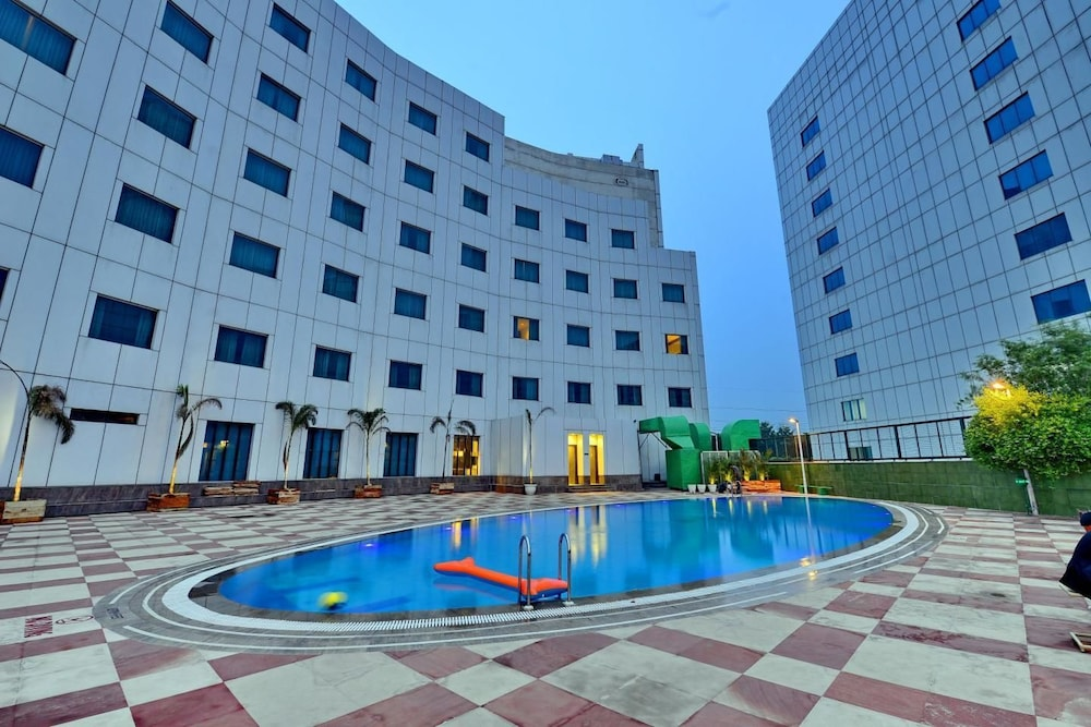 Misaki Hotel Manesar Gurugram Outdoor Pool