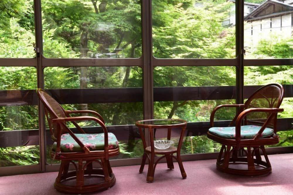 Phòng truyền thống (Japanese Style) - Khu phòng khách
