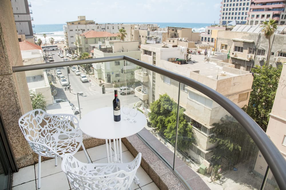One Bedroom Apartment with Sea View - Balkonas