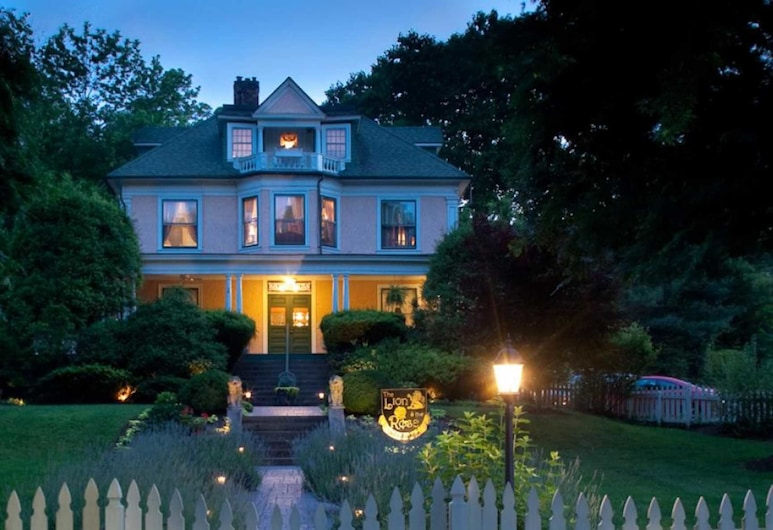 The Lion and the Rose Bed and Breakfast, Asheville, Pohľad na hotel