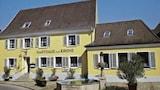 Imagen de Guest Room in Muellheim 9591 1 Br home by RedAwning en Muellheim