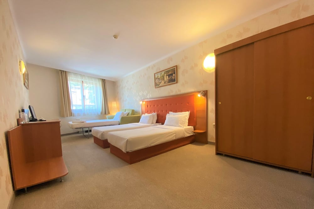 Triple Room (Free Fitness and Sauna ) - Guest Room