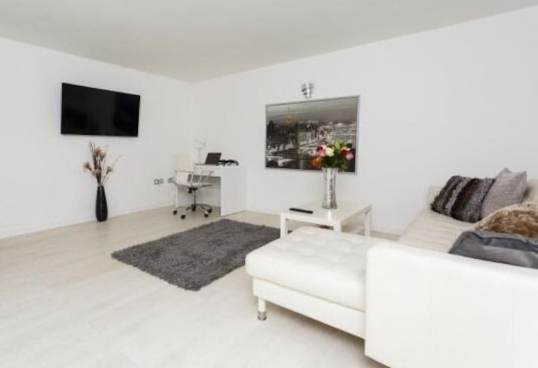 Live in Leeds Nazarene Apartments, Leeds, Luxury Apartment, Ensuite (Occupancy 6), Lounge