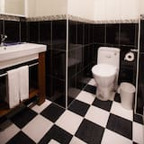 Business Double Room, 1 Queen Bed - Bathroom