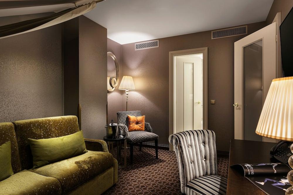 Martini Suite - Living Room