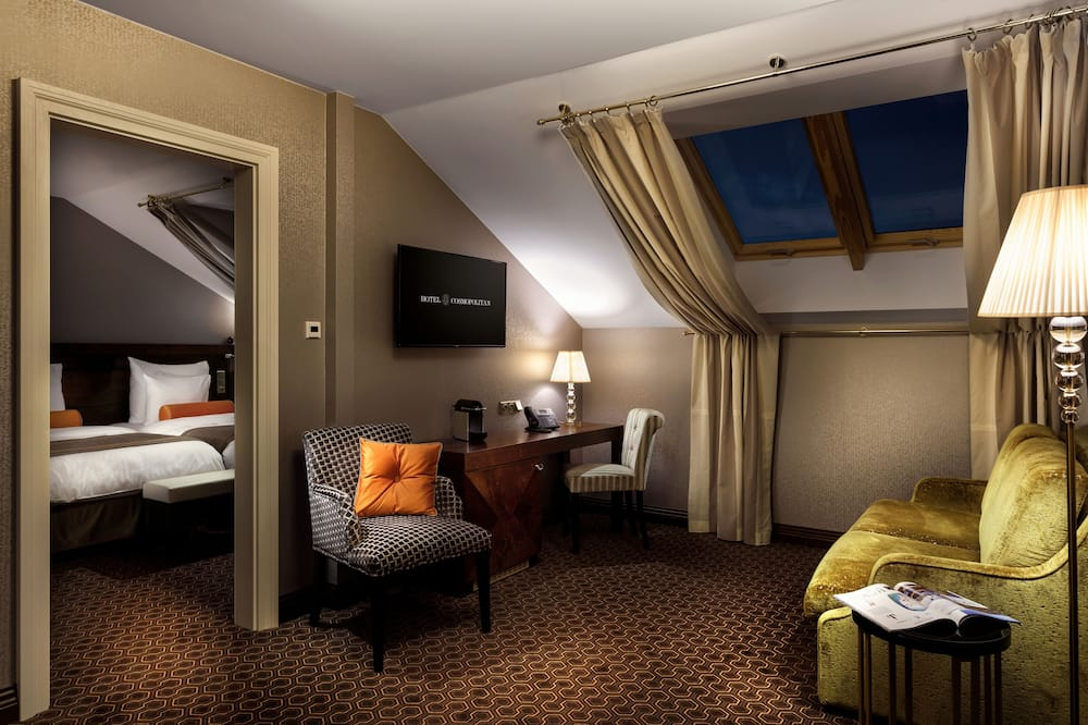 Cosmopolitan Suite - Living Room