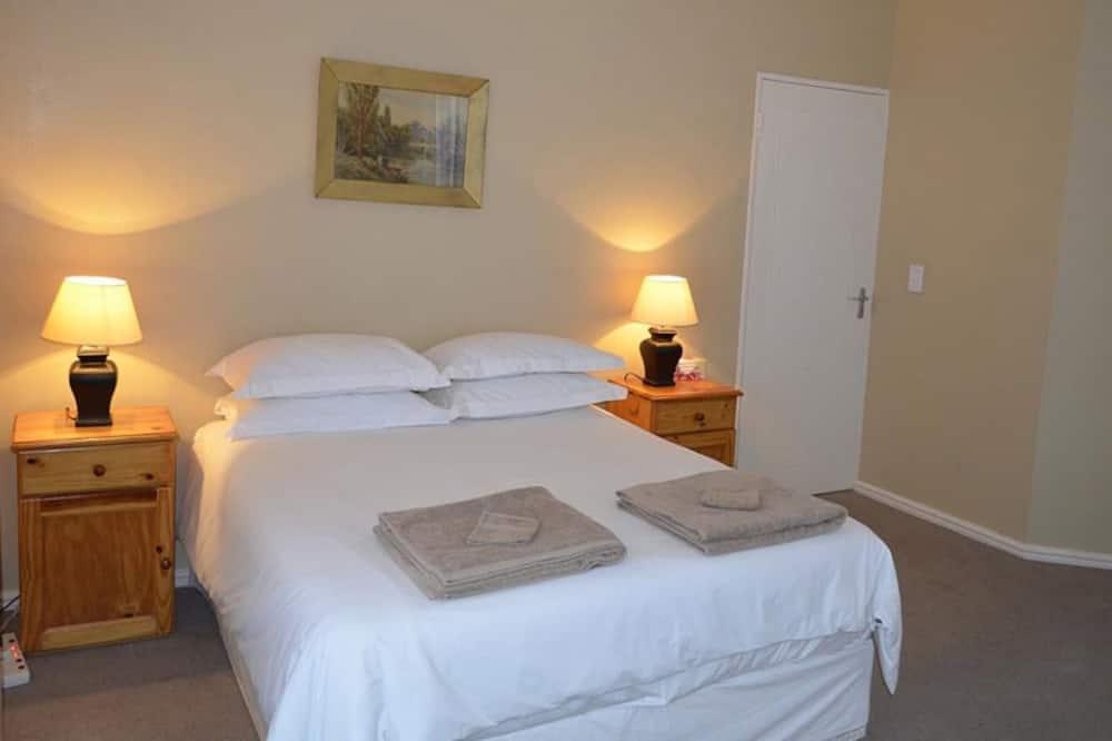 Standard Apartment, 3 Bedrooms - Room