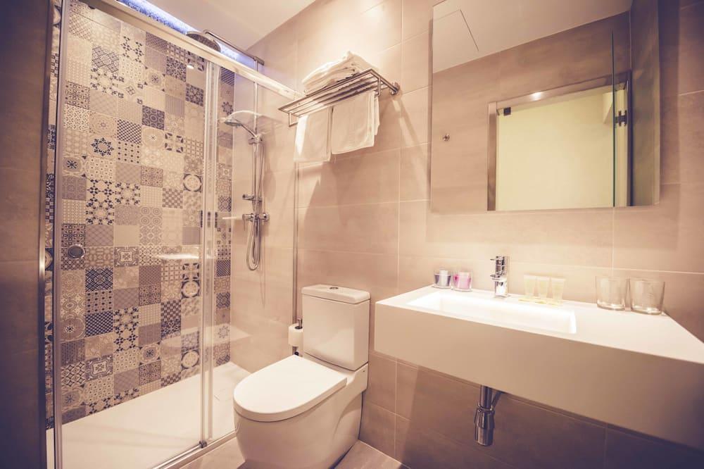 Comfort-Dreibettzimmer, 1 Schlafzimmer - Badezimmer