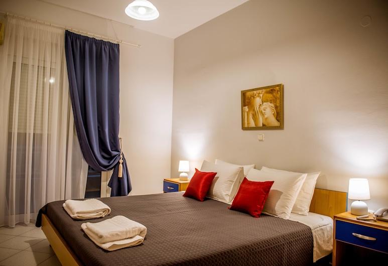 Pantheon Deluxe Apartments, Rodosz