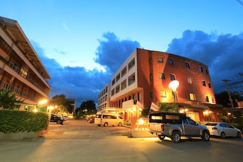 Picture of Pin Hotel in Lampang