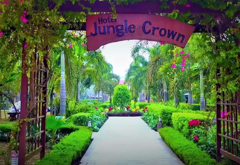 Hotel Jungle Crown, Sauraha, Interior Entrance
