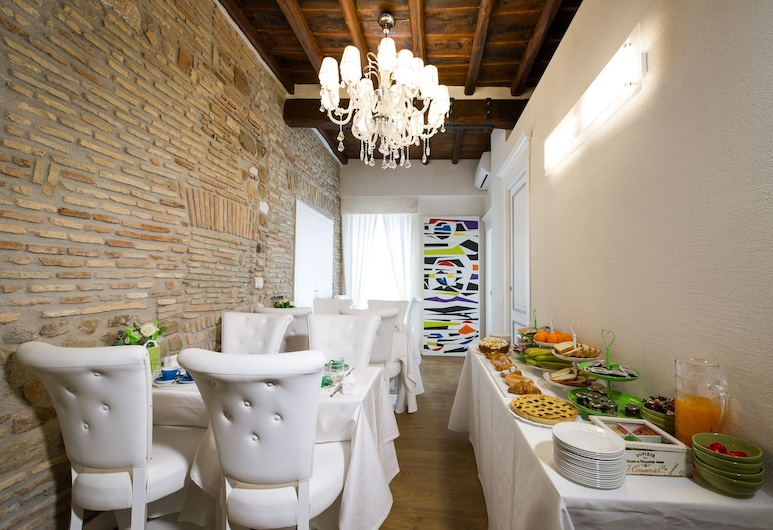 Domus Spagna Frattina Prestige Suite, Rome, Breakfast Area