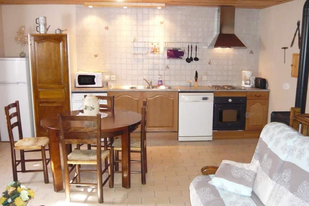 Apartment, 2 Bedrooms (Le Rieutort) - Living Room