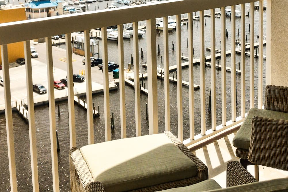 Standard Room, 1 King Bed, Balcony - Terrace/Patio